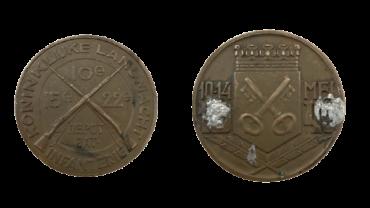 Gedenkpenning van de Infanterie van het 10e, 15e en 22e Depot Bataljon die in de periode 10 - 14 mei 1940 gelegerd waren in Leiden