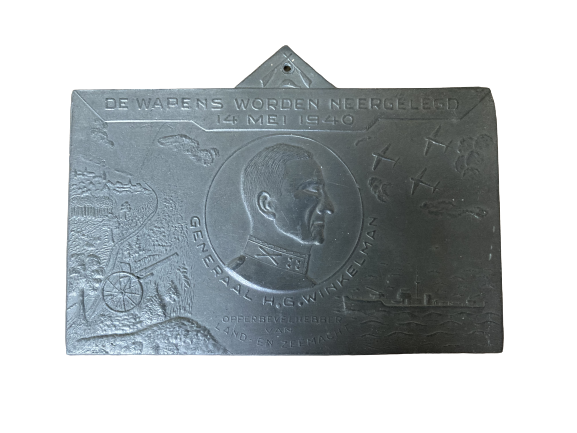 Plaquette Generaal Winkelman De Wapens worden Neergelegd 14 mei 1940