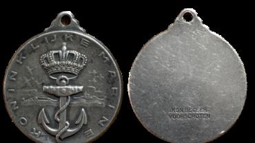 Koninklijke Marine draagmedaille Begeer Voorschoten model 420