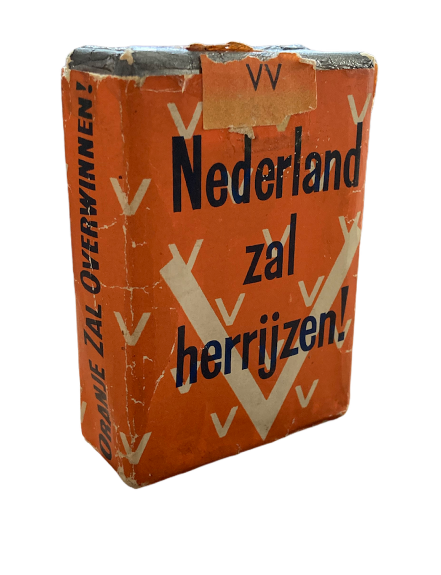 Sigarettenpakje verjaardag Wilhelmina 31 augustus 1941 Nederland zal Herrijzen OZO